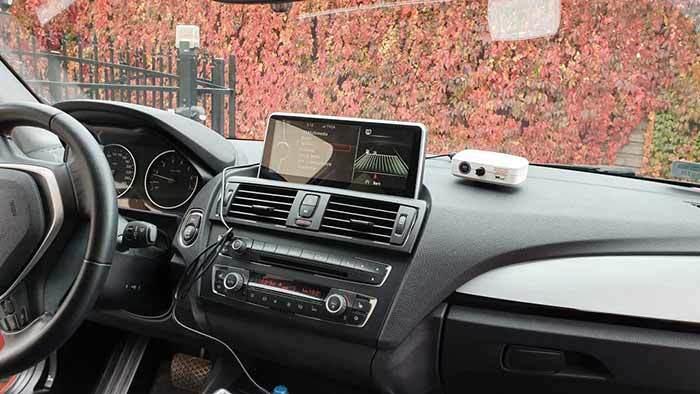 Instalacja samochodowego oczyszczacza powietrza